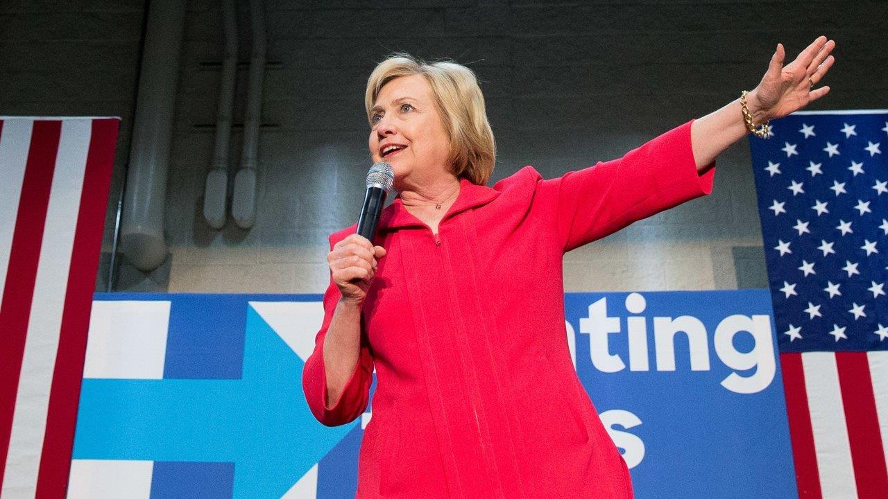 New viral video shows Clinton 'lying for 13 minutes straight'
