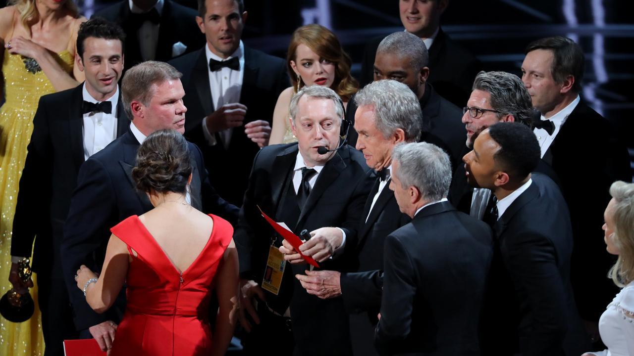 2017 Oscars a 'disaster' for Hollywood?