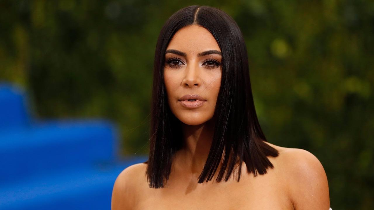 Kim Kardashian filling in for Kelly Ripa on 'Live With Kelly and Ryan'