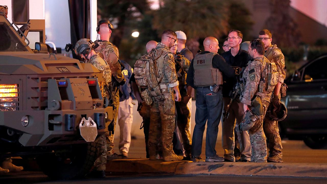 FBI opens tipline in Las Vegas shooting investigation