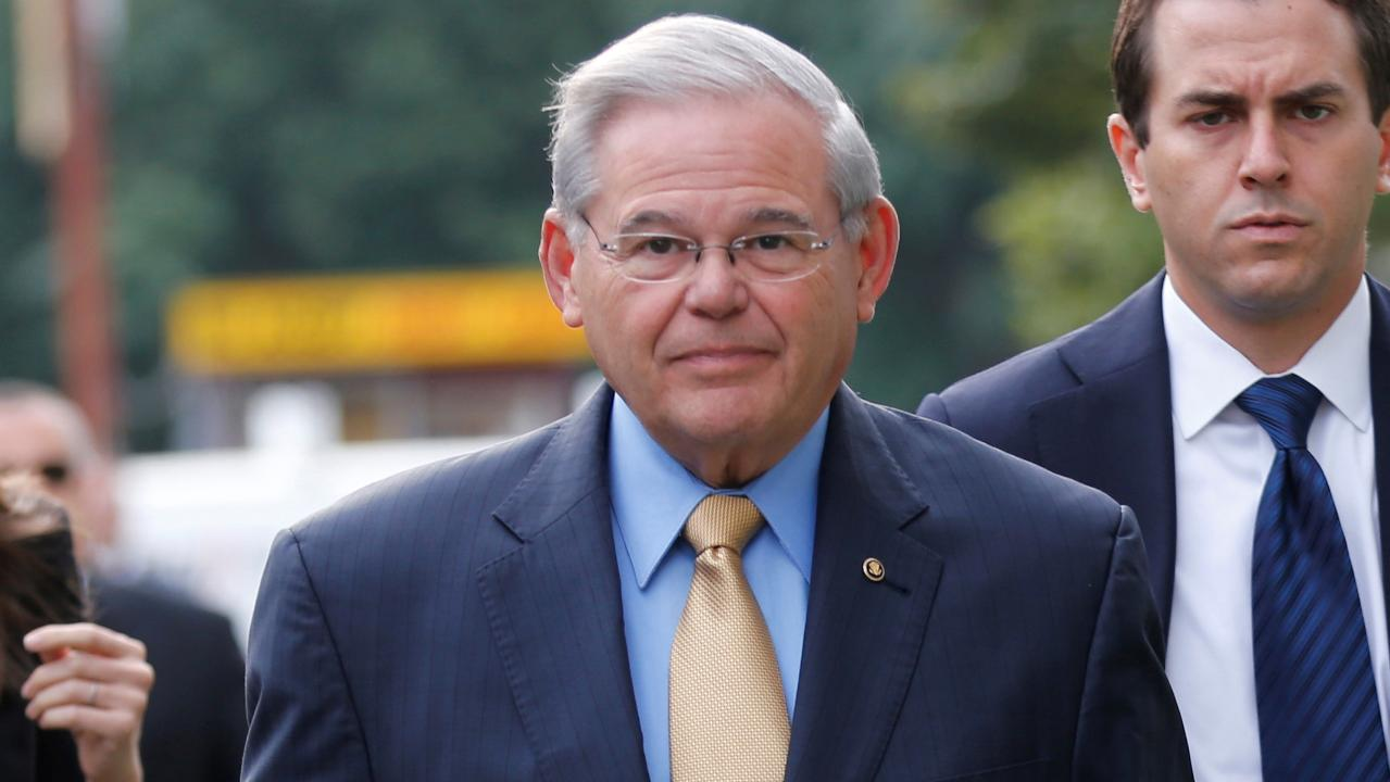 Dismissed juror predicts hung jury in Menendez trial
