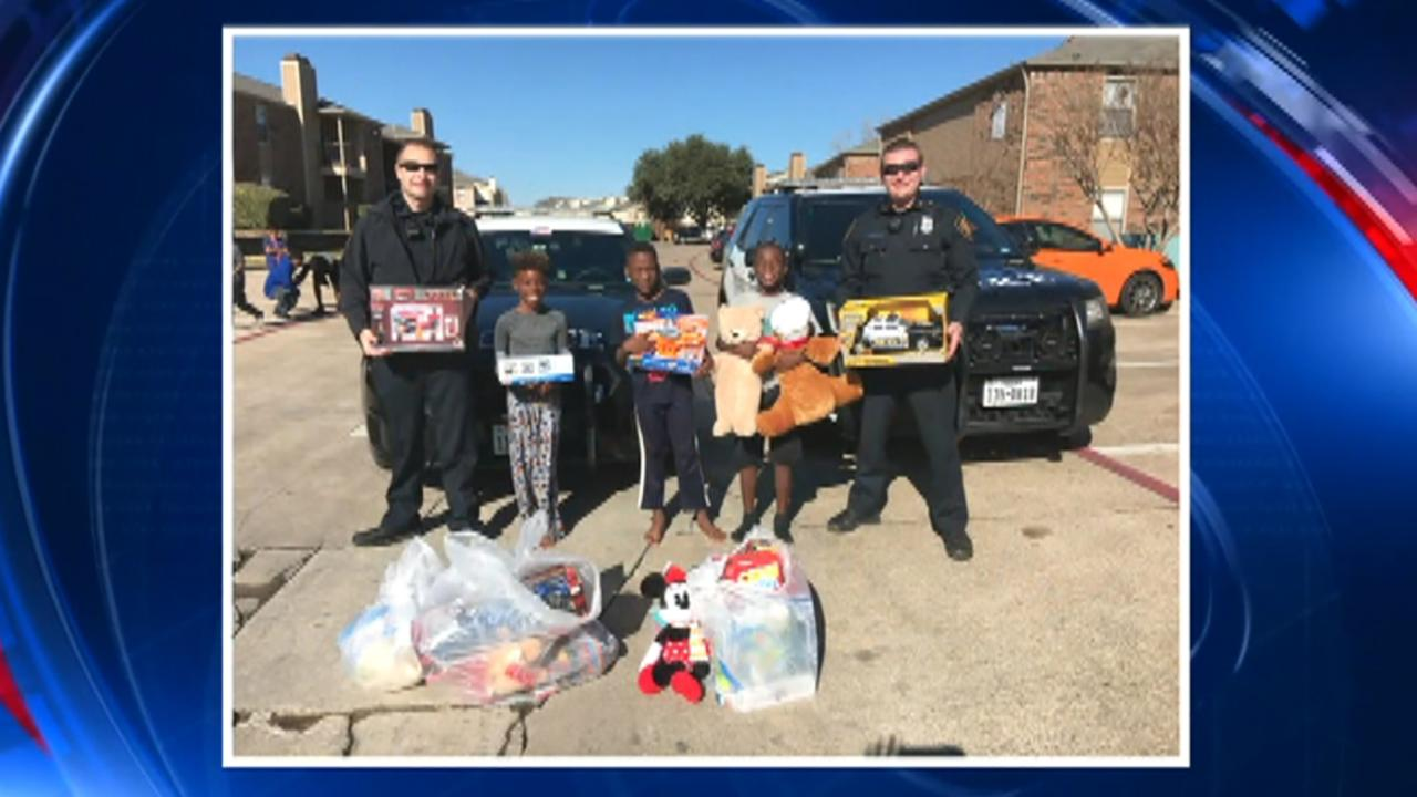 Texas police replace stolen gifts for family