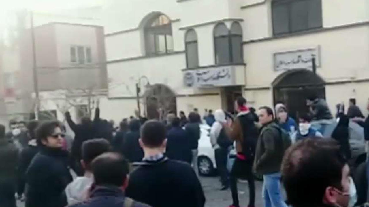 Trump administration embraces Iran protesters
