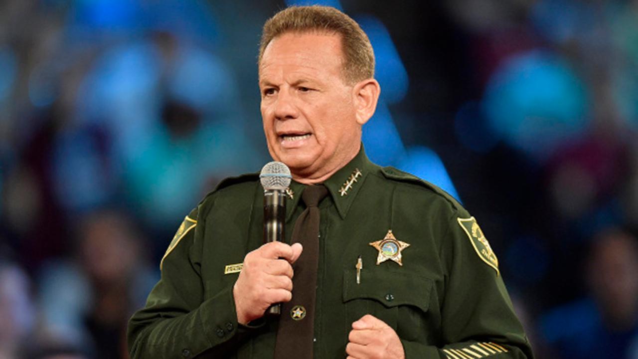 Florida sheriff says he won't resign over Parkland shooting