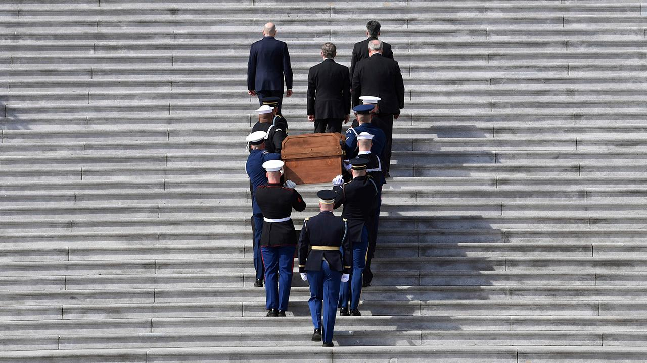 Billy Graham's casket arrives at the Capitol