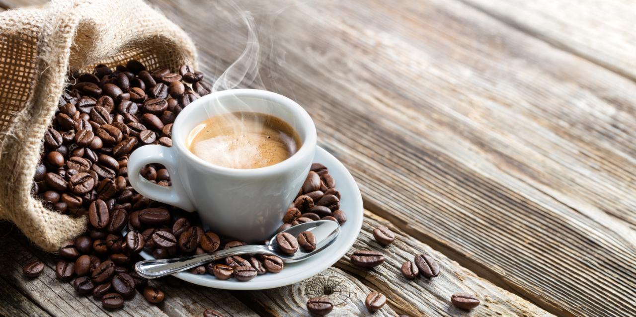 の起源コーヒー:どのように教皇の決定に有名なお茶を飲みに向