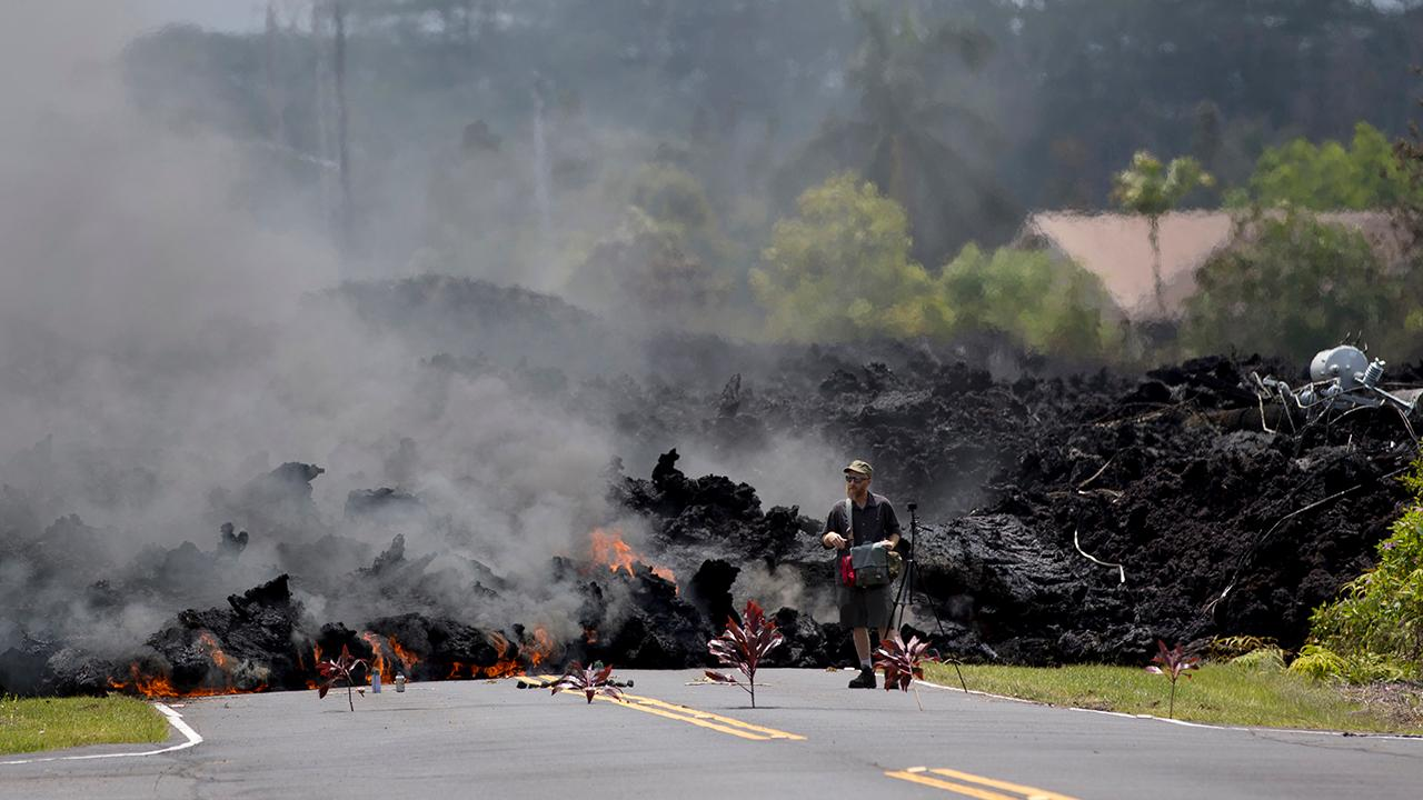 Homes destroyed as Hawaii's Kilauea volcano erupts