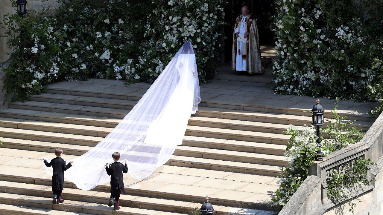 Meghan Markle arrives for royal wedding