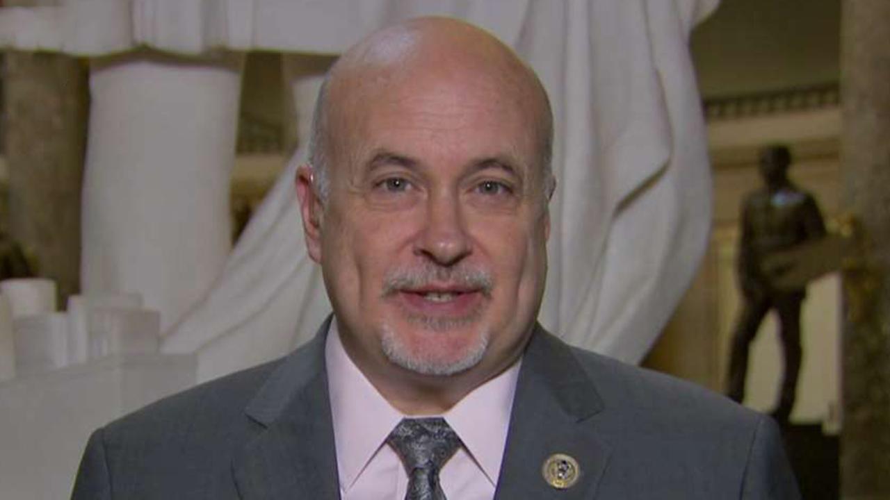 Democrat lawmaker defends bill to abolish ICE