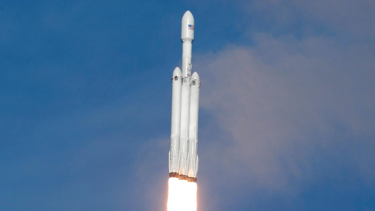 SpaceX says it will fly private passenger 'around the Moon'