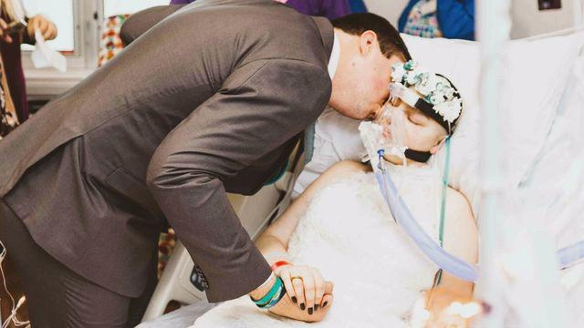 Florida couple weds in hospital days before wife's cancer death