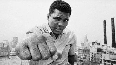Muhammad Ali dies surrounded by family at Arizona hospital