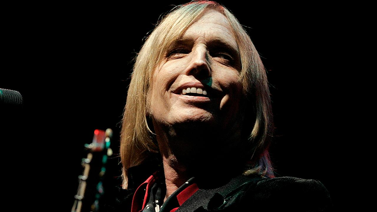 Westlake Legal Group 694940094001_5596665458001_5596660394001-vs Tom Petty's daughters file suit as estate battle continues Variety Gene Maddaus fox-news/entertainment/music fox-news/entertainment/genres/rock fox-news/entertainment/events/in-court fox-news/entertainment/events/departed fnc/entertainment fnc article 298a1d1f-be60-5187-aaca-f4cf43f55a64
