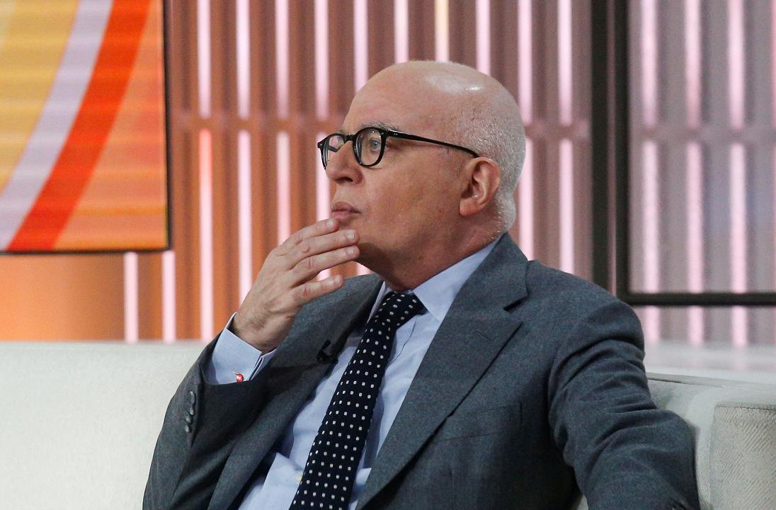 """Fire and Fury"" Michael Wolff walks off interview, claims tech issue"