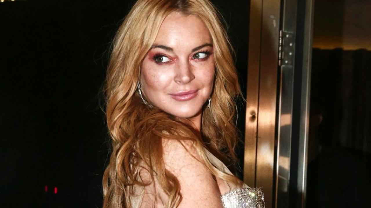 Lindsay Lohan says no photos