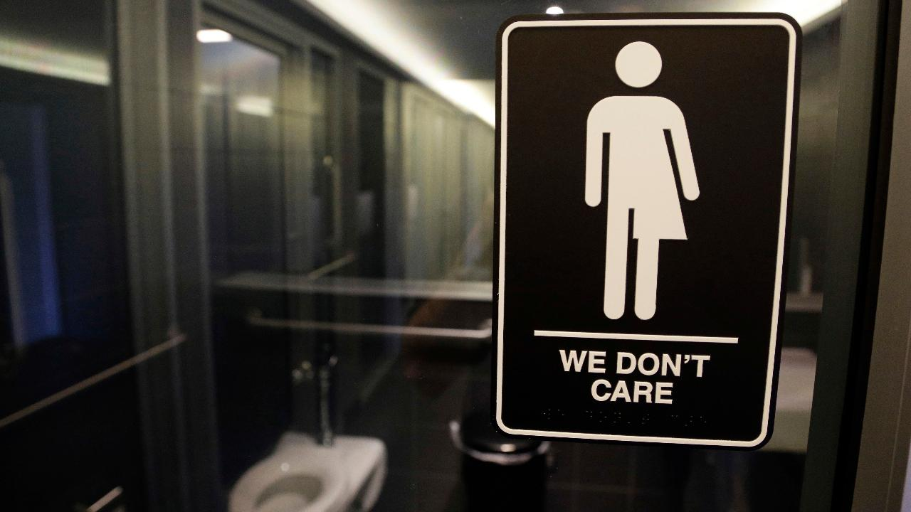Ohio bill would 'out' transgender students to parents