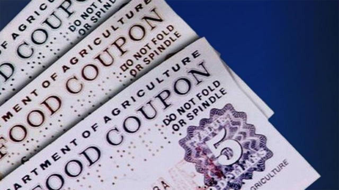 Congress, states consider food stamp work requirement