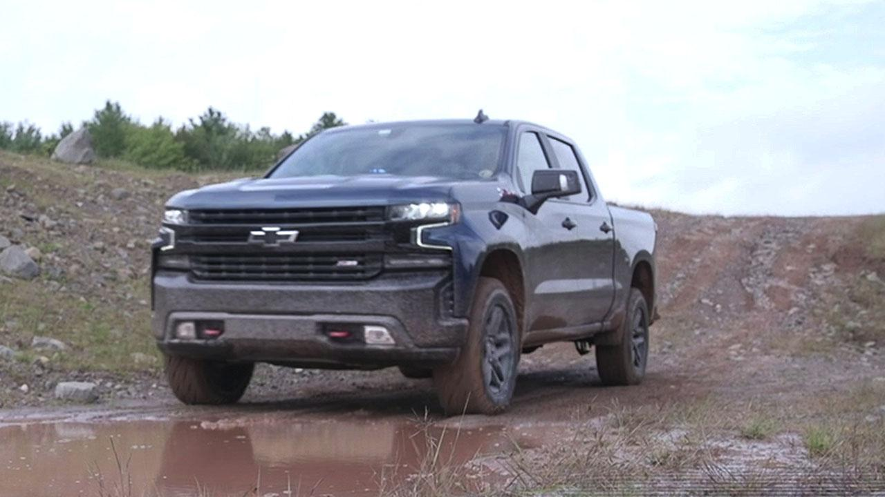 Chevy unveils 2019 NASCAR Silverado and Camaro SS | Fox News
