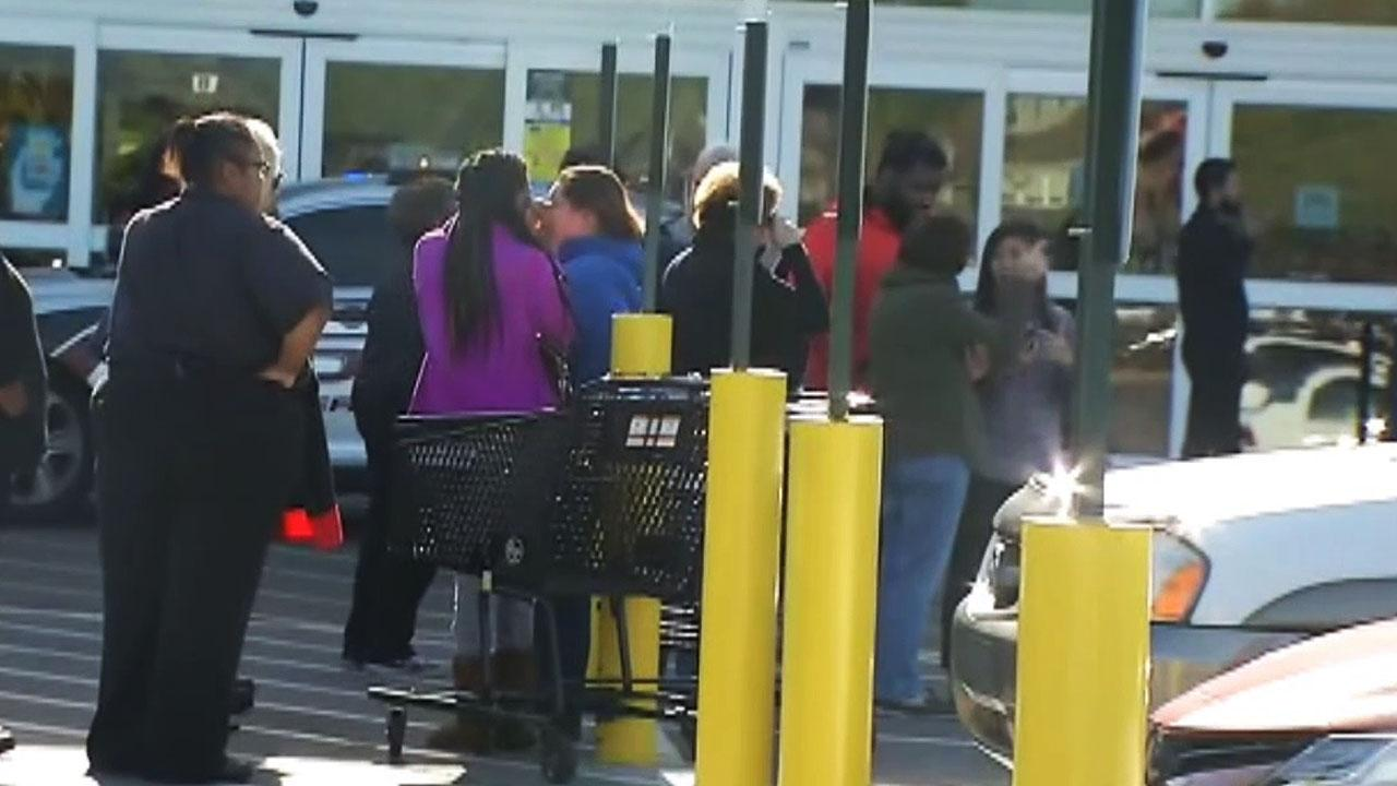 Raw video: Shooting victims reported at Kentucky Kroger's
