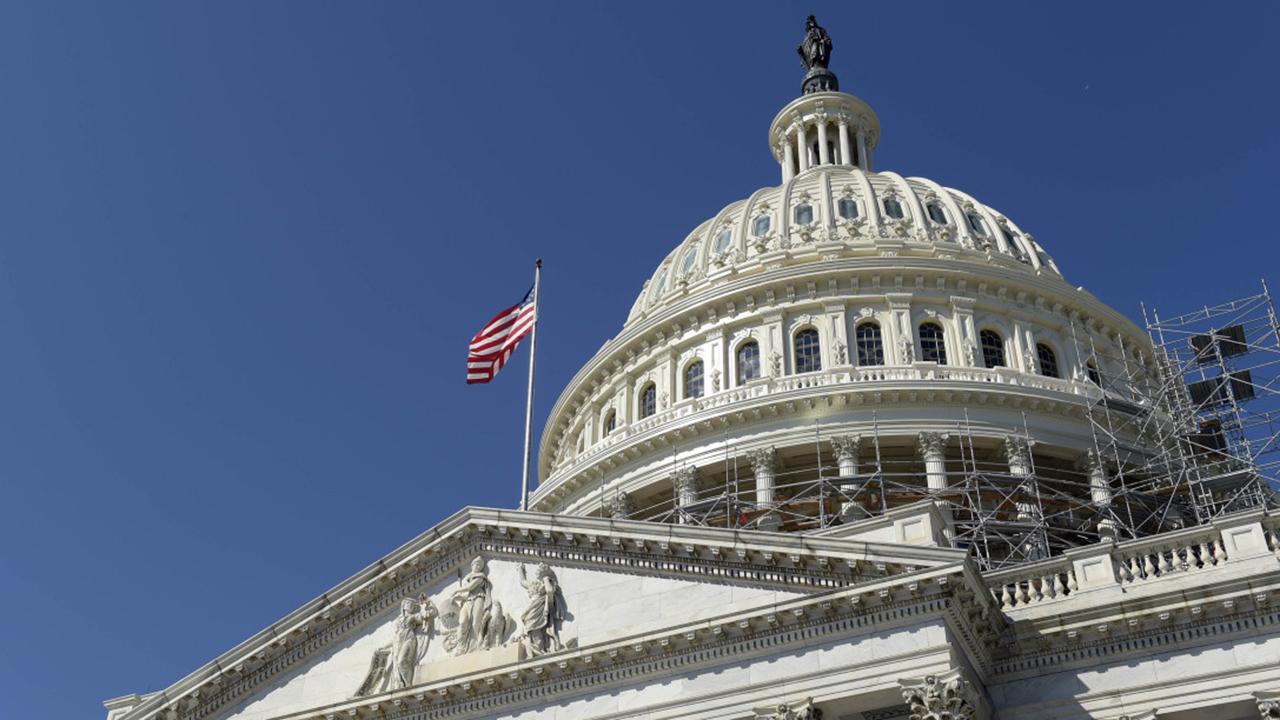 Split decision: Dems win back the House, GOP hold the Senate