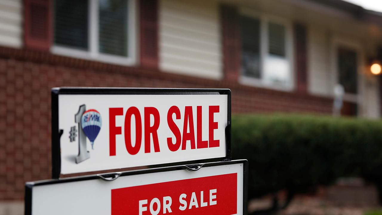 Fox Business Briefs: Rising interest rates making some would-be home buyers nervous. Number of mortgage applications fell 4 percent.
