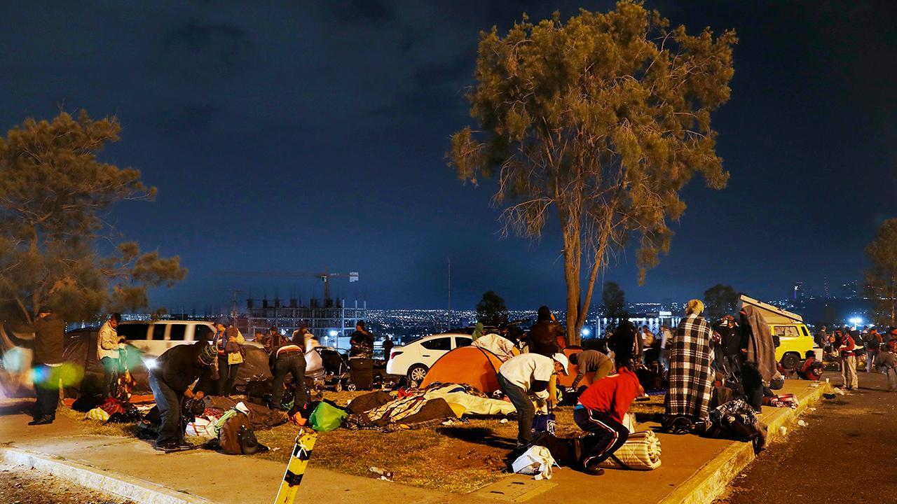 Migrant caravan begins next leg of journey toward US border