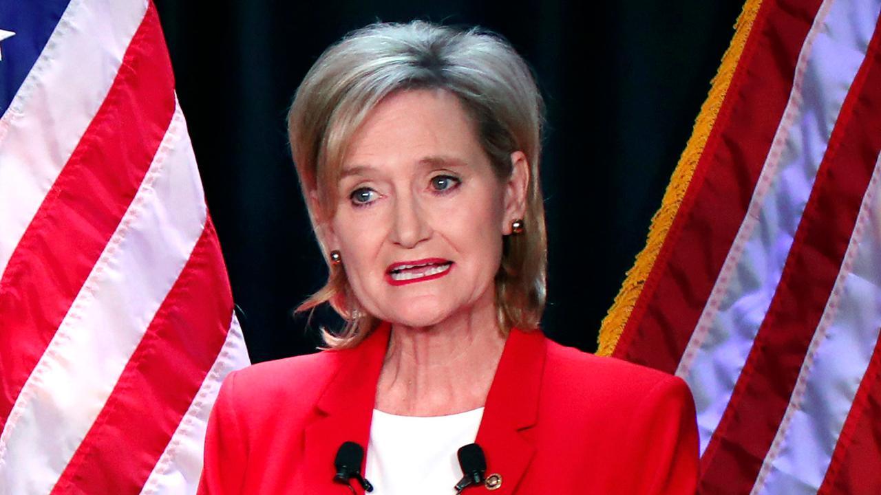 Sen. Hyde-Smith's gaffes tighten Mississippi Senate race