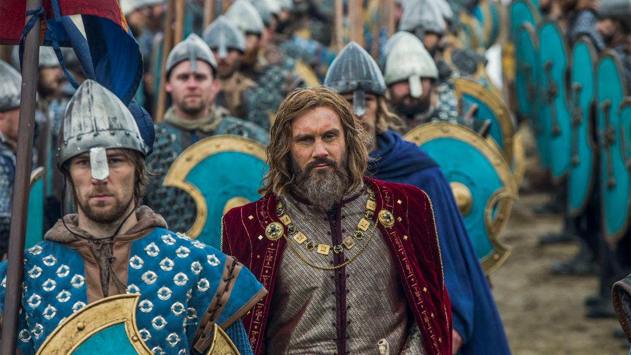 'Vikings' star Clive Standen talks new season, show rumors and 'Game of Thrones' comparisons