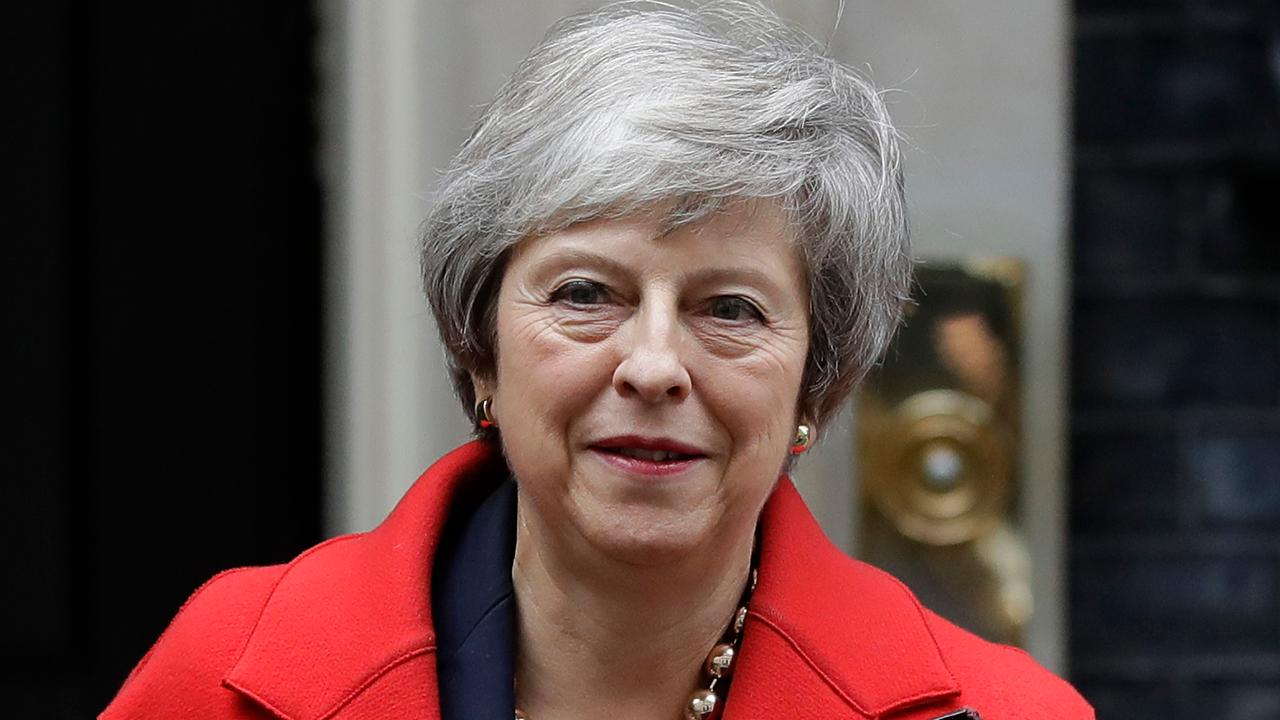 Theresa May tries to rally support for Brexit plan