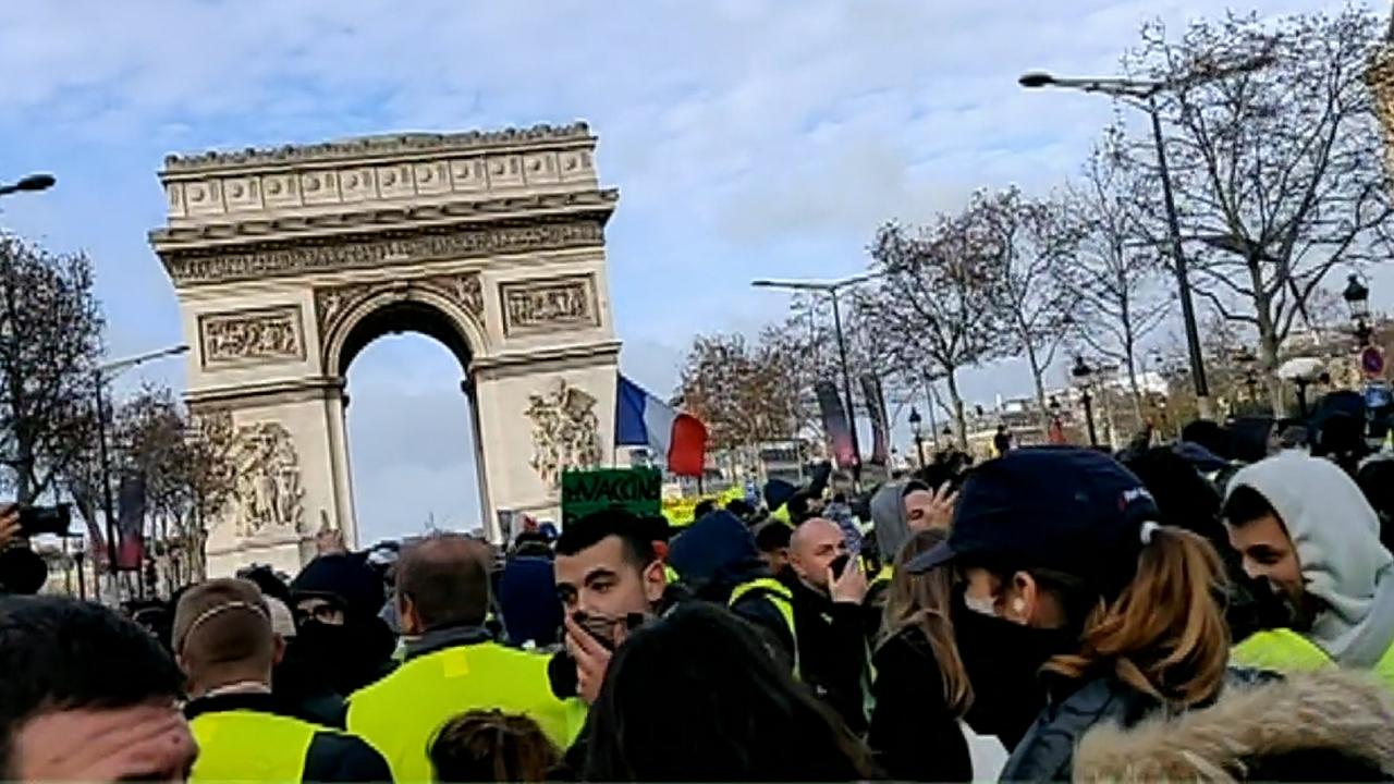Thousands of protesters gather in central Paris