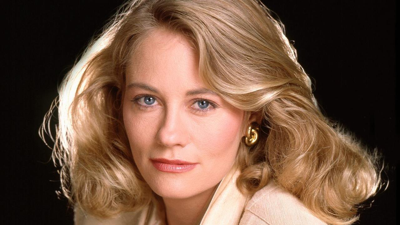 Cybill Shepherd says Les Moonves made sexual advances