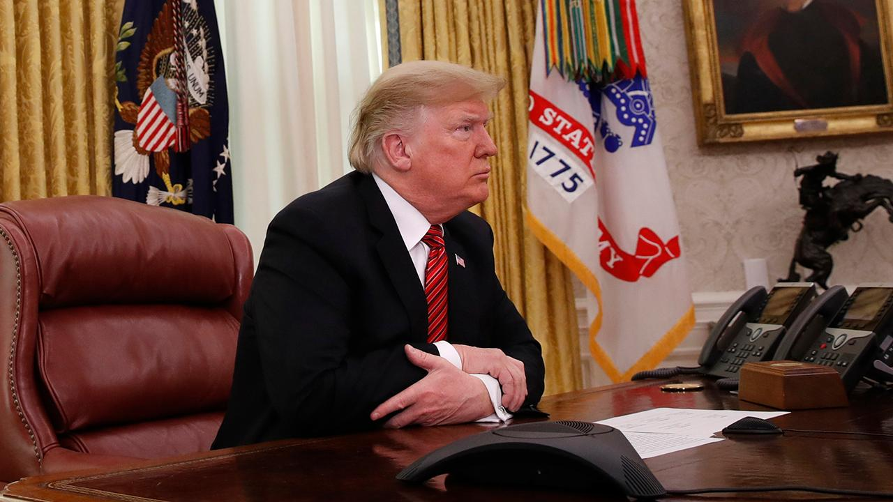 Trump ends 2018 with blizzard of tweets about the border wall