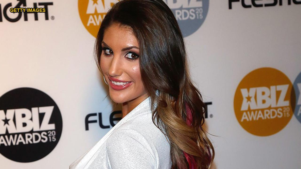 August ames and jassie gold | Porno fotos)