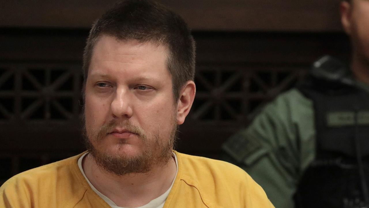 Former Chicago police officer Jason Van Dyke sentenced for shooting death of black teenager Laquan McDonald