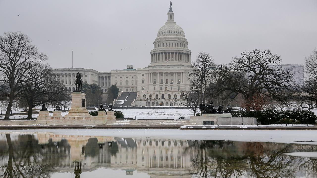 Cracks emerge on both sides of the shutdown fight