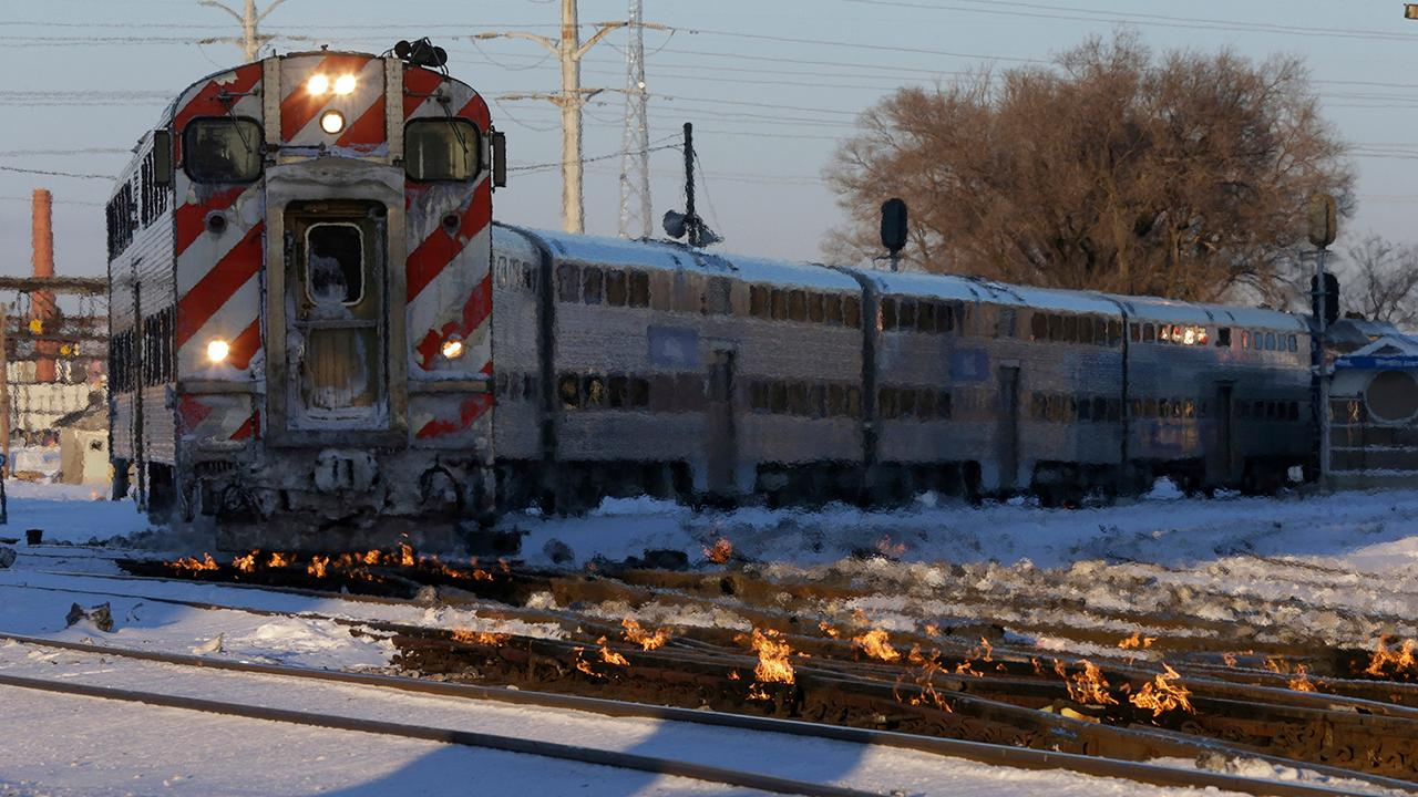 Chicago rail operators lighting tracks on fire to battle record-breaking cold