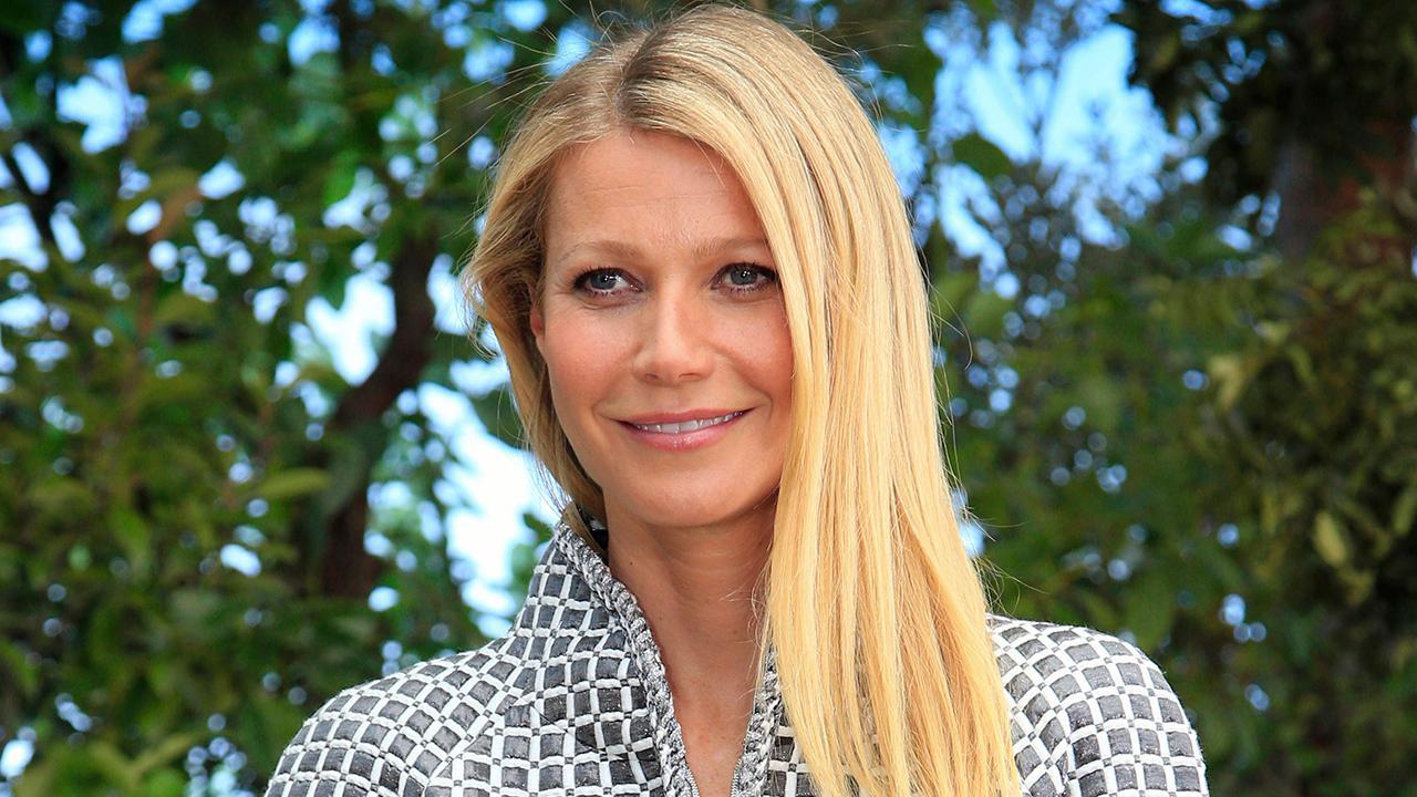 Gwyneth Paltrow thừa nhận 'mối quan hệ phức tạp' với Harvey Weinstein