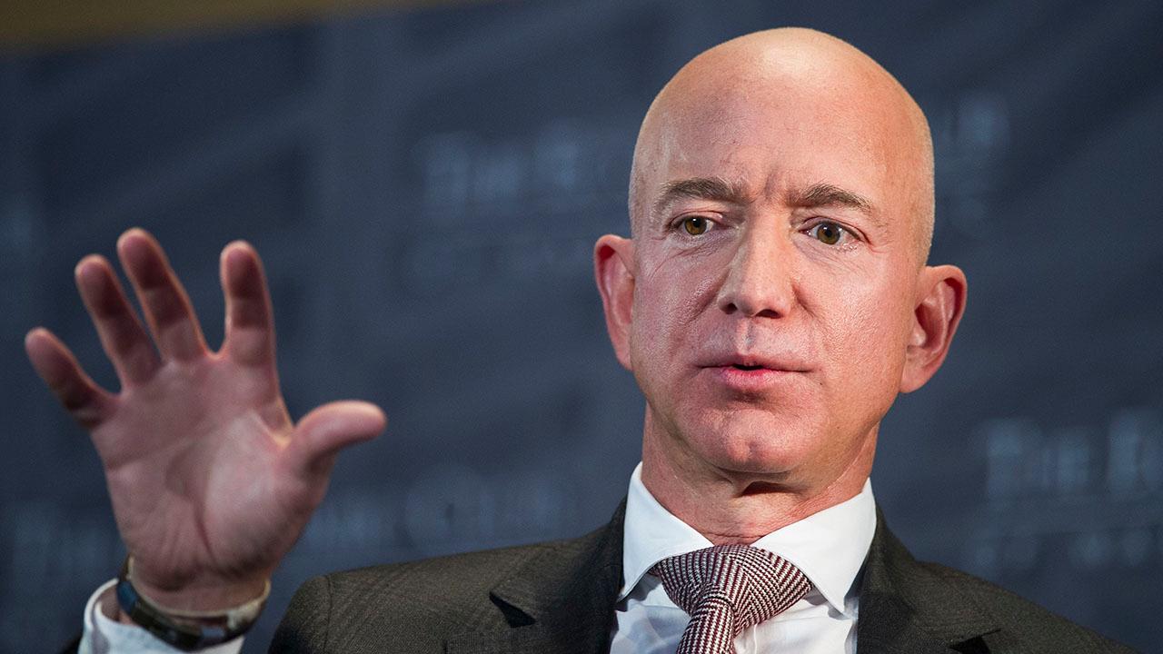Jeff Bezos has date night with Lauren Sanchez: report