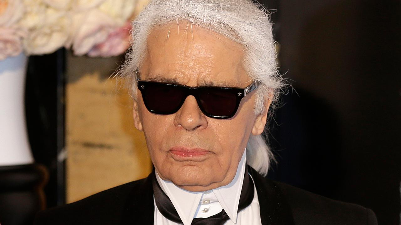 Karl Lagerfeld S Passing Models Celebs And Friends Pay