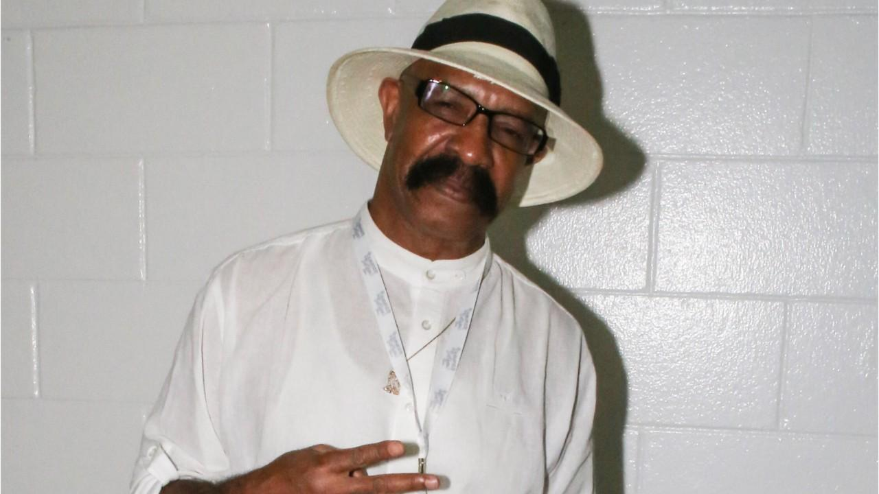 Drake's dad declares support for R. Kelly and Jussie Smollett