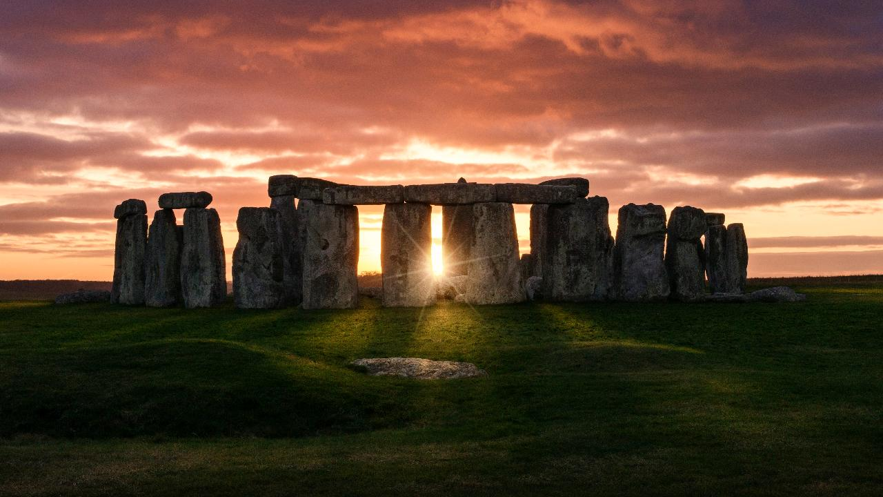 missing piece  stonehenge returned  years    removed  excavation fox news