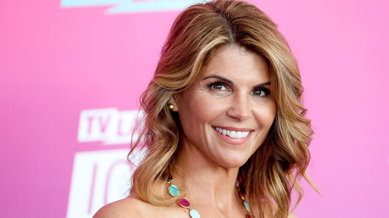 Lori Loughlin's daughter says father 'faked his way' through college
