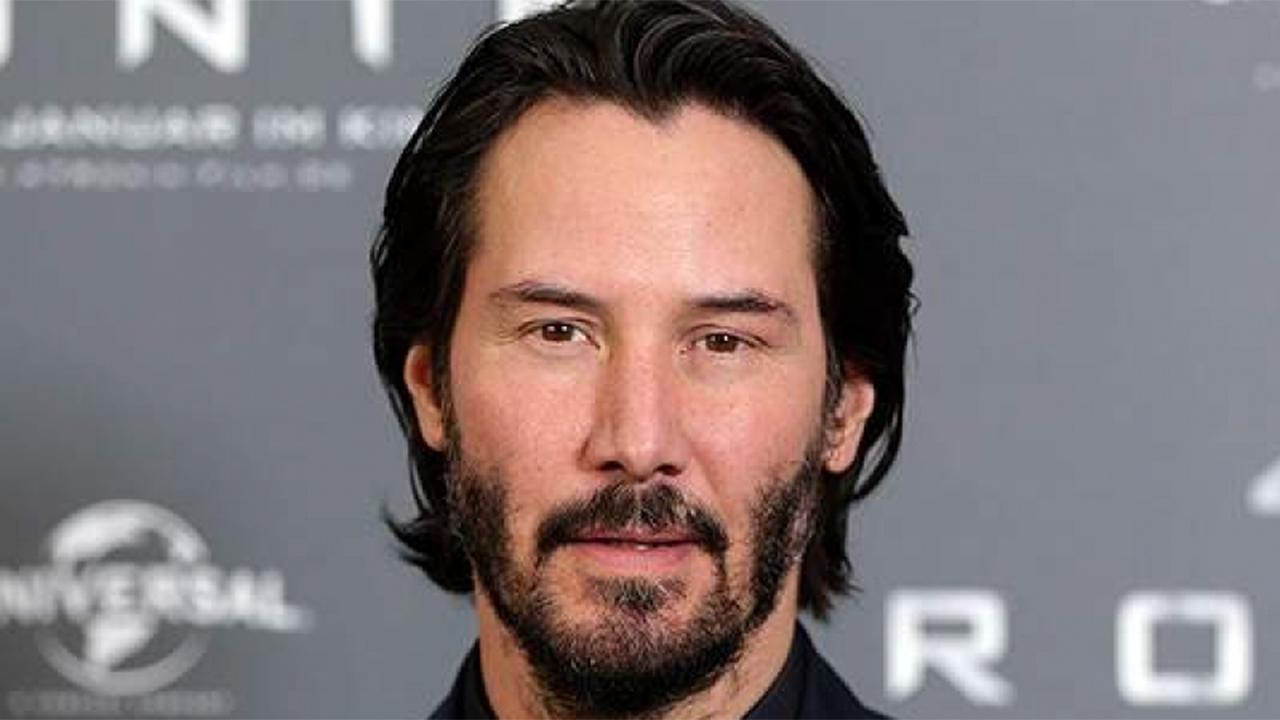 Keanu Reeves' hilarious response to Xbox E3 event attendee's interruption goes viral thumbnail