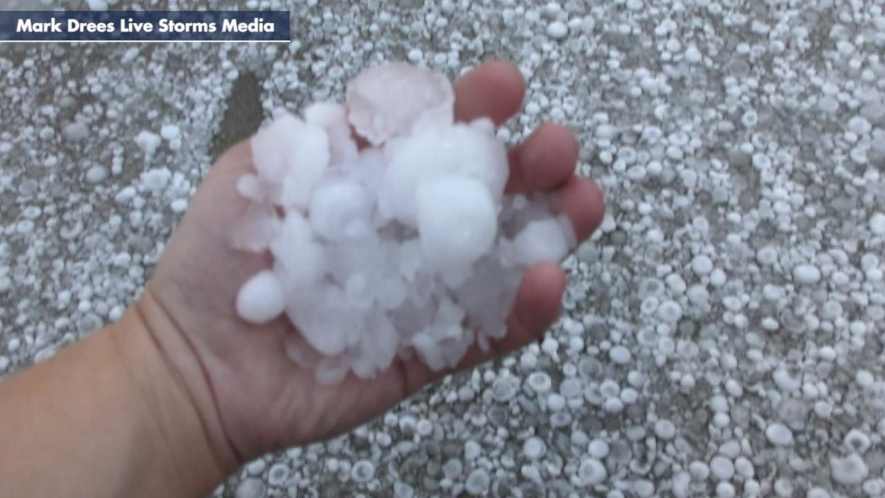 Severe storm drops large hail in Texas