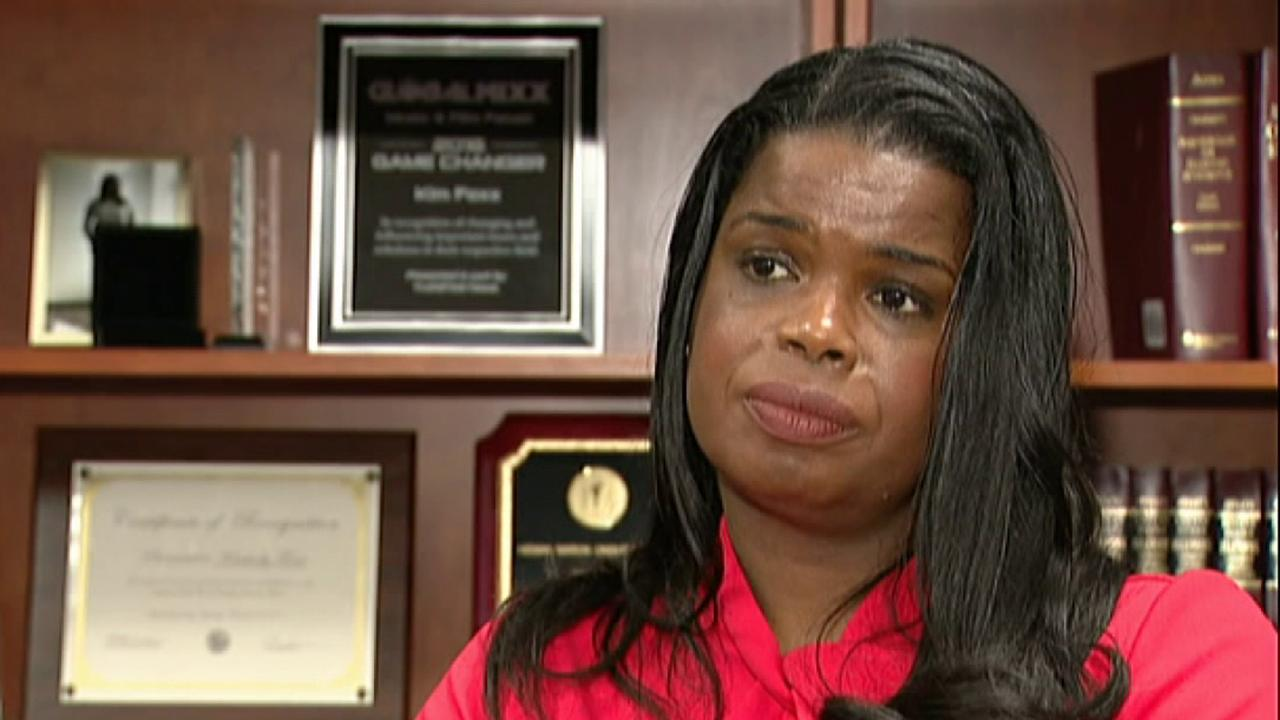 Kim Foxx defends her team's decision to drop charges in Smollett case