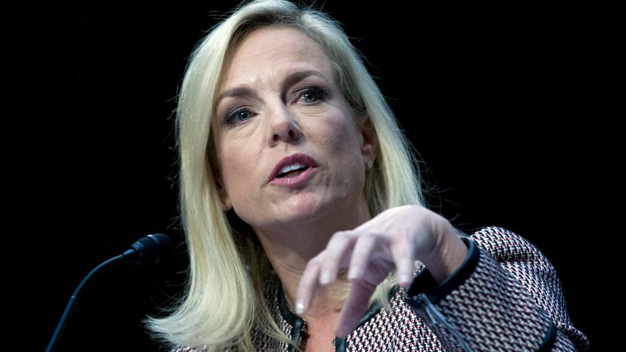 2020 Democrats take victory lap after Nielsen announces resignation