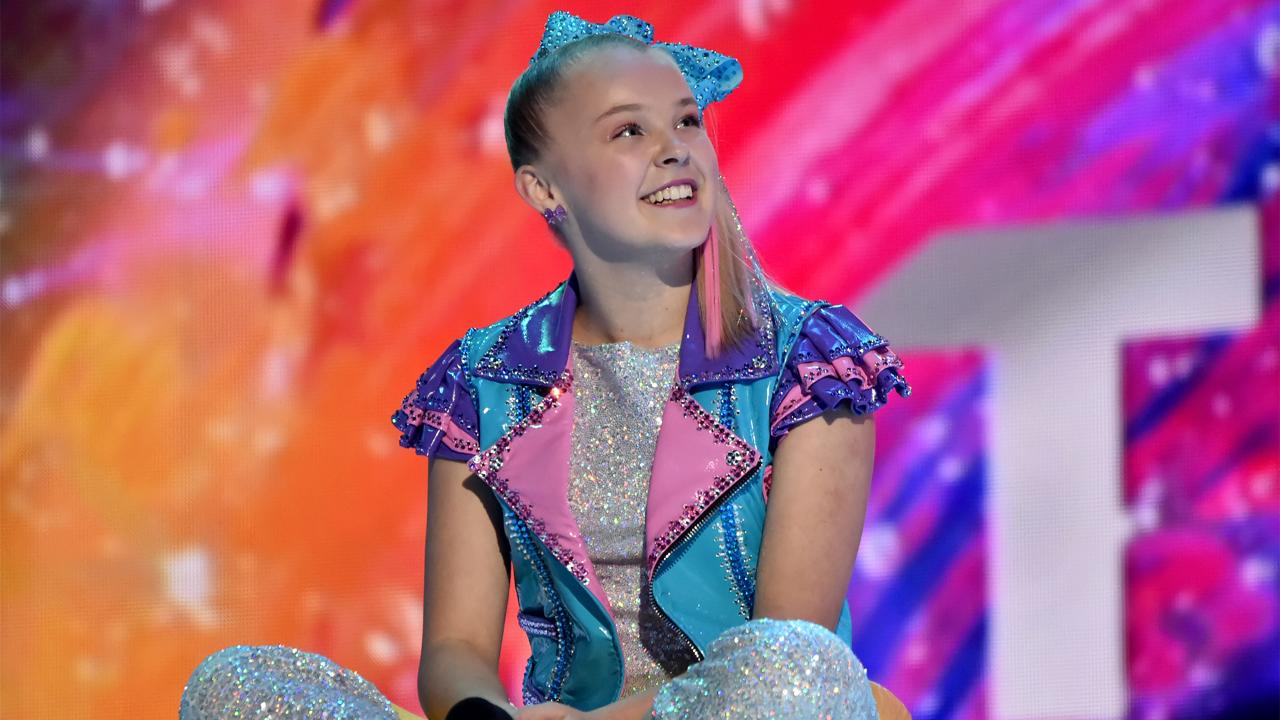 Jojo Siwa Talks Befriending Kim Kardashian, Achieving Fame -7594