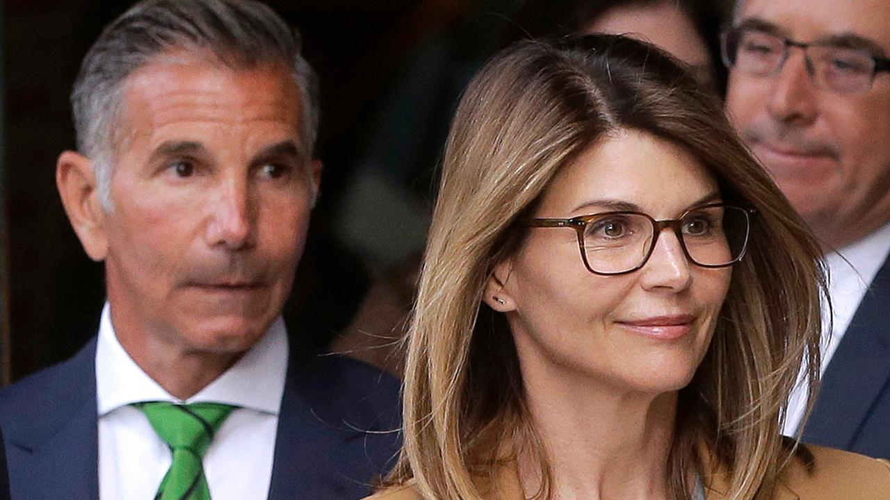 Lori Loughlin, Mossimo Giannulli due in court in college admissions scandal case amid spat over lawyers