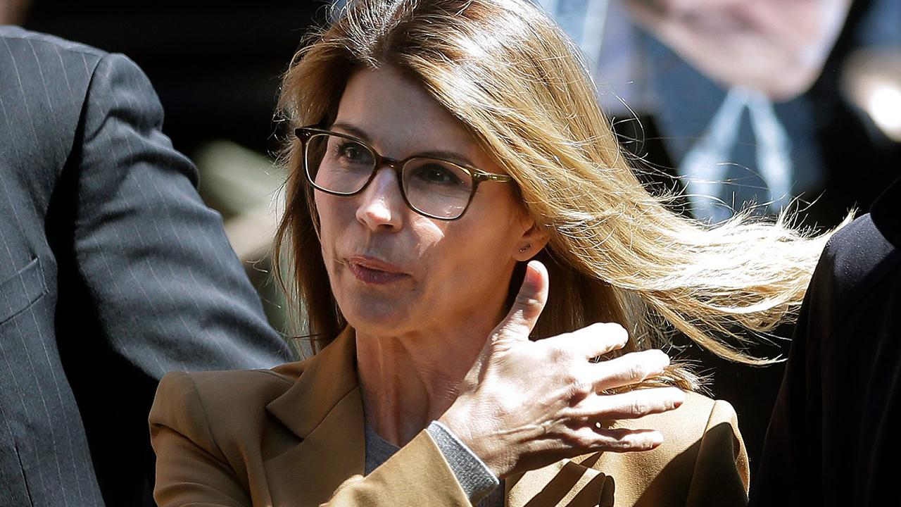 Lori Loughlin's attorneys demand to see prosecution's evidence ahead of her next hearing
