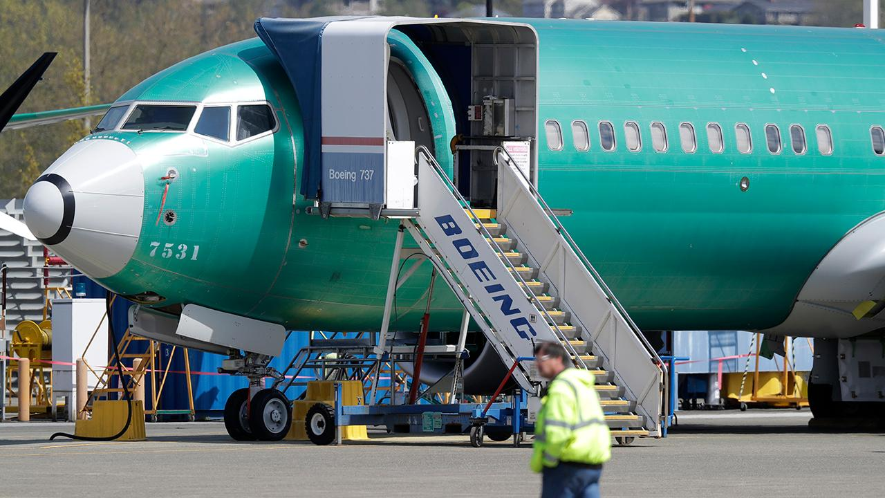 Boeing didn't tell airlines, FAA that new plane models lacked warning system: report